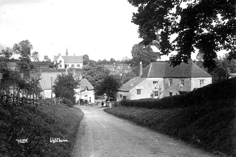 The Antelope Inn and the old school in Lighthorne.  1930s |  IMAGE LOCATION: (Warwickshire County Record Office)