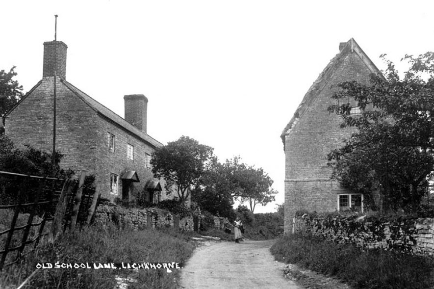 Cottages in Old School Lane, Lighthorne.  1930s  [The cottage on the right is the old, old school house built in C1780's] |  IMAGE LOCATION: (Warwickshire County Record Office)