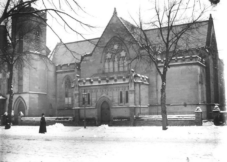 Holy Trinity Church in the snow, Leamington Spa.  1900s |  IMAGE LOCATION: (Warwickshire County Record Office)