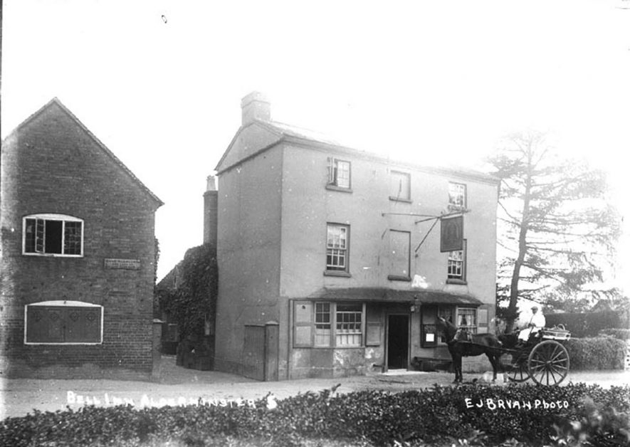 The Bell Inn, Shipston Road, Alderminster.  1920s |  IMAGE LOCATION: (Warwickshire County Record Office)
