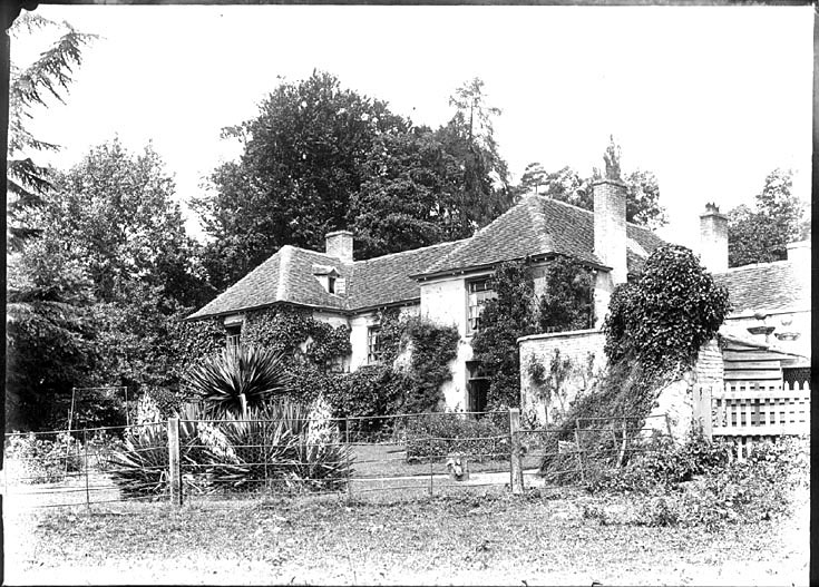 The Rectory, Binton.  1900s |  IMAGE LOCATION: (Warwickshire County Record Office)