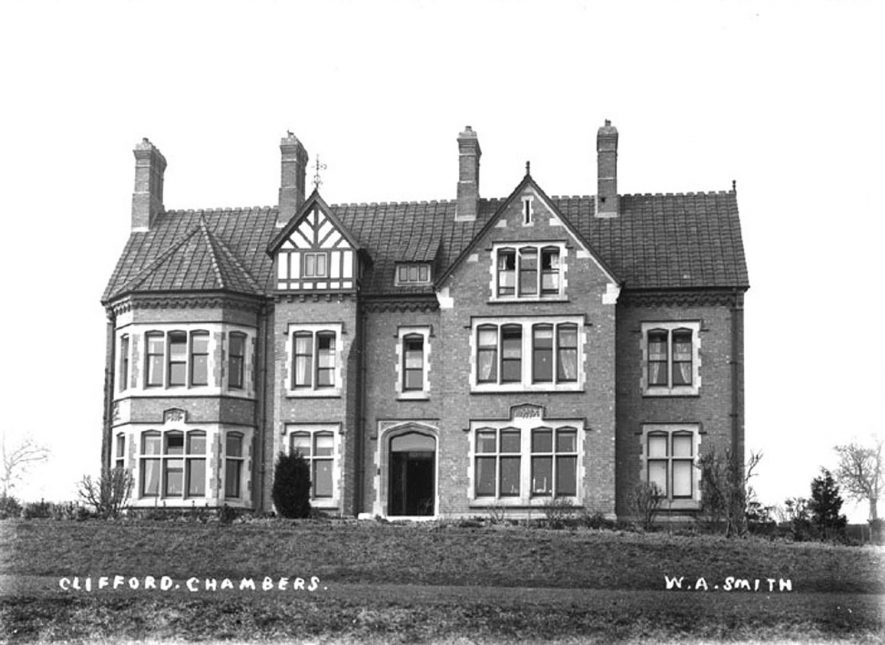 Red Hill House, Clifford Chambers.  1910s |  IMAGE LOCATION: (Warwickshire County Record Office)