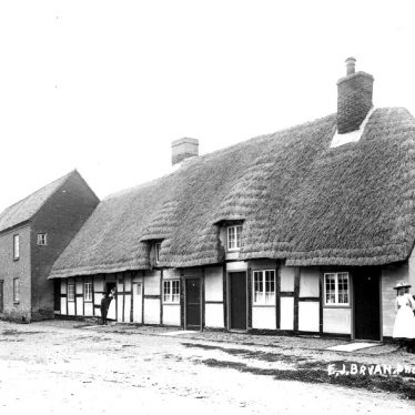 Quinton, Lower.  Thatched cottages