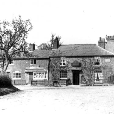 Welford on Avon.  Bell Inn