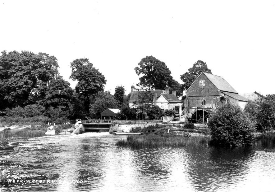 Water mill and weir on the River Avon at Welford on Avon.  1900s |  IMAGE LOCATION: (Warwickshire County Record Office)