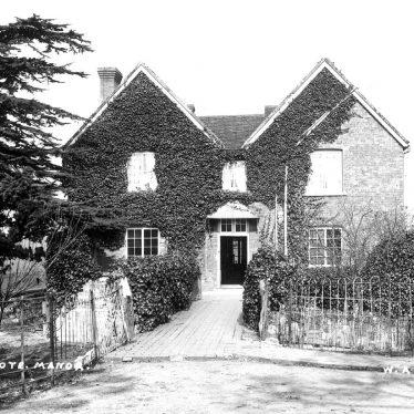 Weston on Avon.  Milcote Manor