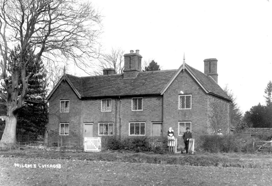 Milcote cottages, Weston-on-Avon. 1900s[The picture is of Milcote Hall Cottages and was not built until the mid-1950s. Weston-on-Avon is at least 2.5km away at the time this photograph was taken. |  IMAGE LOCATION: (Warwickshire County Record Office)