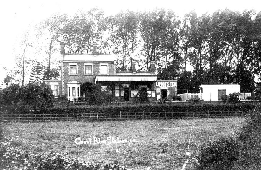 The railway station at Great Alne.  1900s |  IMAGE LOCATION: (Warwickshire County Record Office)