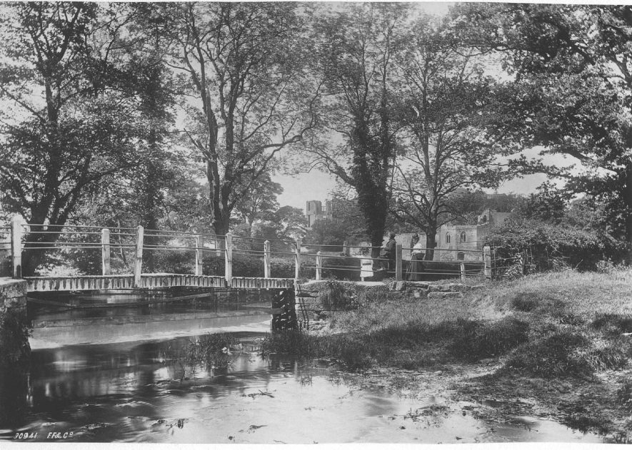 Castle ford and footbridge, Kenilworth.  1892 |  IMAGE LOCATION: (Warwickshire County Record Office)