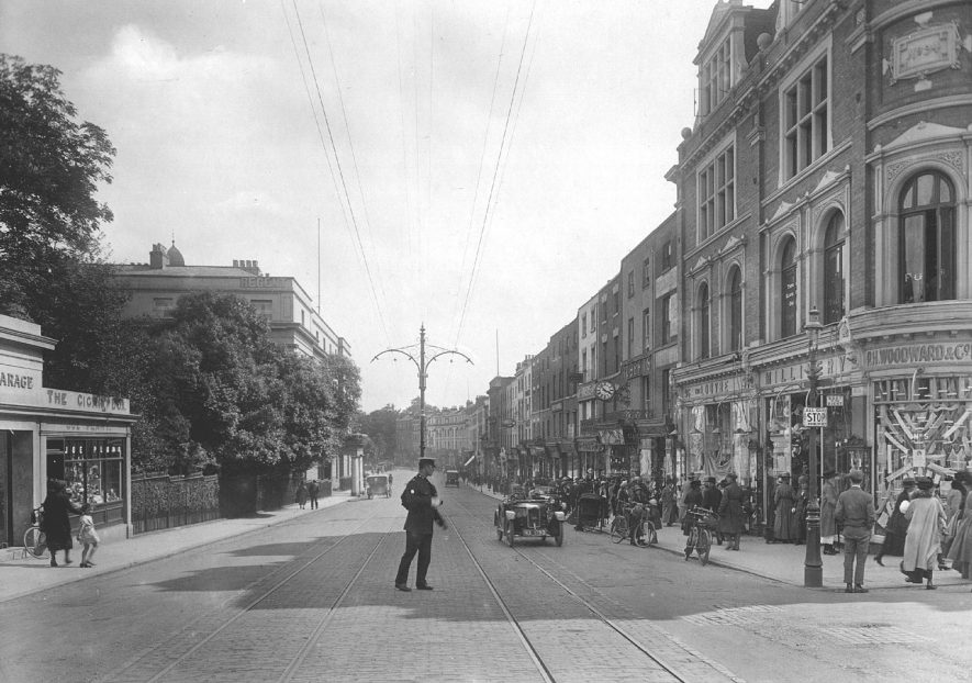The Parade, Leamington Spa.  1925 |  IMAGE LOCATION: (Warwickshire County Record Office)