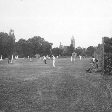Leamington Spa.  Victoria Park, tennis courts