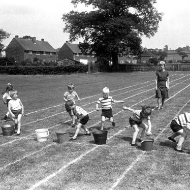 Maxstoke.  Childrens' sports day