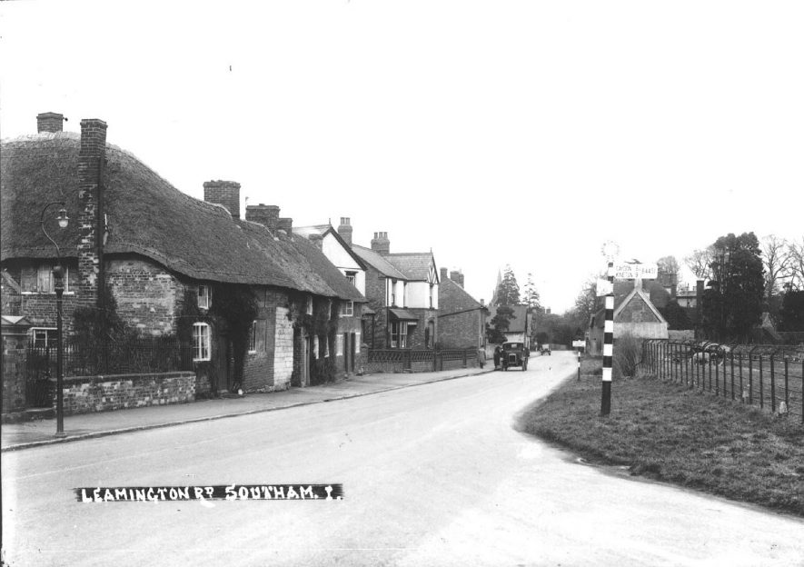 Leamington Road,  Southam.  1930s |  IMAGE LOCATION: (Warwickshire County Record Office)
