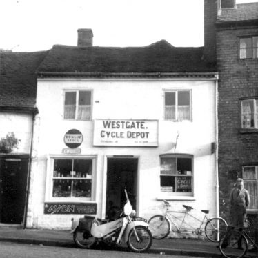 Warwick.  Westgate, cycle shop