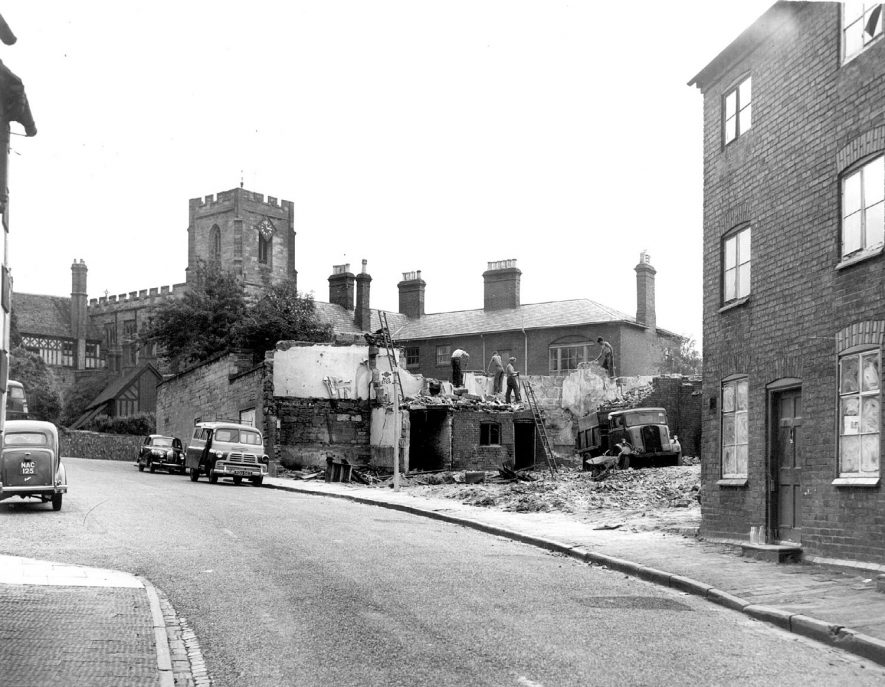 Demolition of houses in Friars' Street, Warwick.  1957 |  IMAGE LOCATION: (Warwickshire County Record Office)