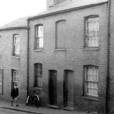 Warwick.  Parkes Street