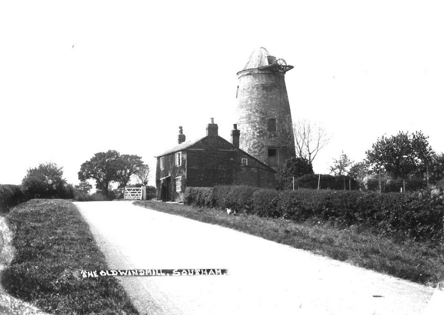 The windmill, Southam. Showing the mill without sails.  1930s? |  IMAGE LOCATION: (Warwickshire County Record Office)