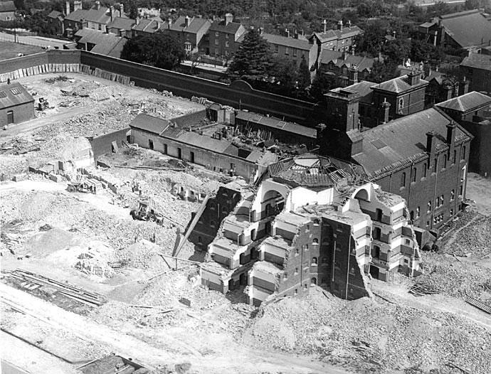 Demolition of Warwick prison.  1934    [PH,143/4042 should PH,143/1042] |  IMAGE LOCATION: (Warwickshire County Record Office)