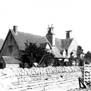 Long Marston.  Laurels Farm