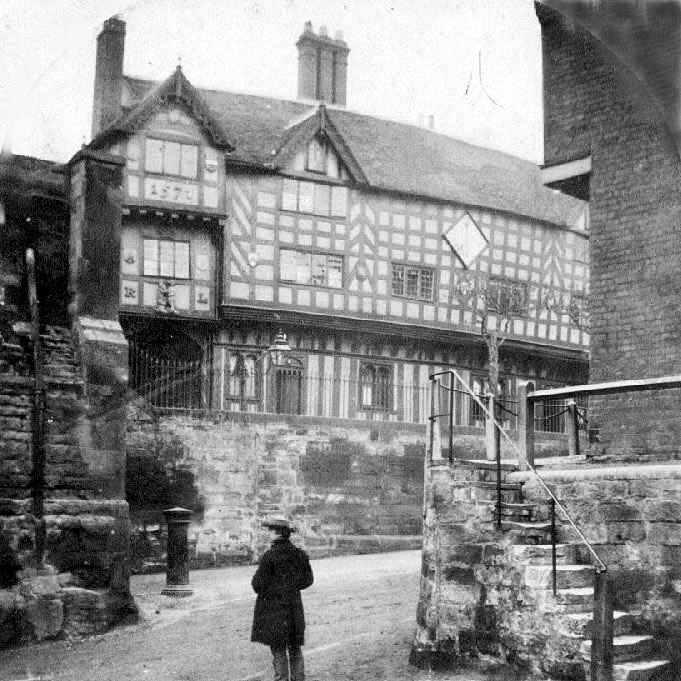 Leycester Hospital, Warwick.  1900s    IMAGE LOCATION: (Warwickshire County Record Office)