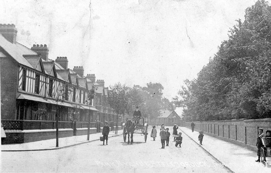 Group of children and pony and trap in Park Avenue, Attleborough.  1900s |  IMAGE LOCATION: (Warwickshire County Record Office)