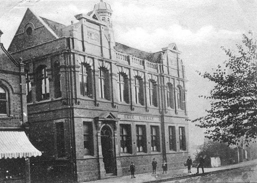 The Free Library in Nuneaton.  1900s |  IMAGE LOCATION: (Warwickshire County Record Office)