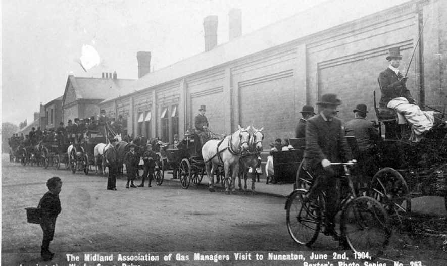 The Midland Association of Gas Managers visit to Nuneaton leaving the gas works for a drive.  June 2nd 1904 |  IMAGE LOCATION: (Warwickshire County Record Office)