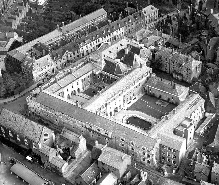 Ariel view of Shire Hall and Courthouse, Warwick.  1930s |  IMAGE LOCATION: (Warwickshire County Record Office)