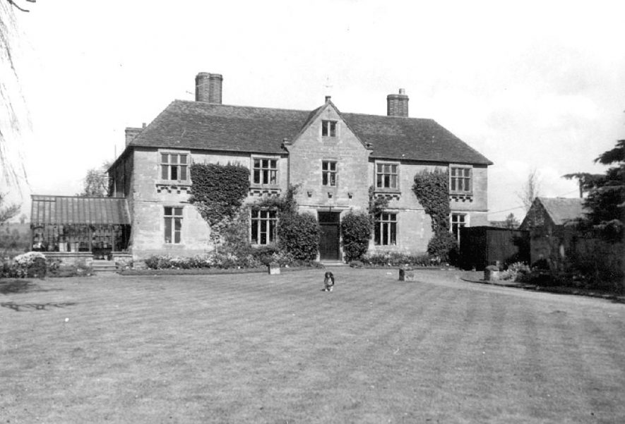 Exterior view of Woodloes House, Warwick.  1957 |  IMAGE LOCATION: (Warwickshire County Record Office)