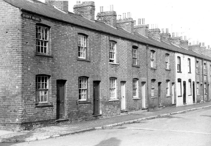 Row of terraced houses in Queen's Square, Warwick.  1963 |  IMAGE LOCATION: (Warwickshire County Record Office)