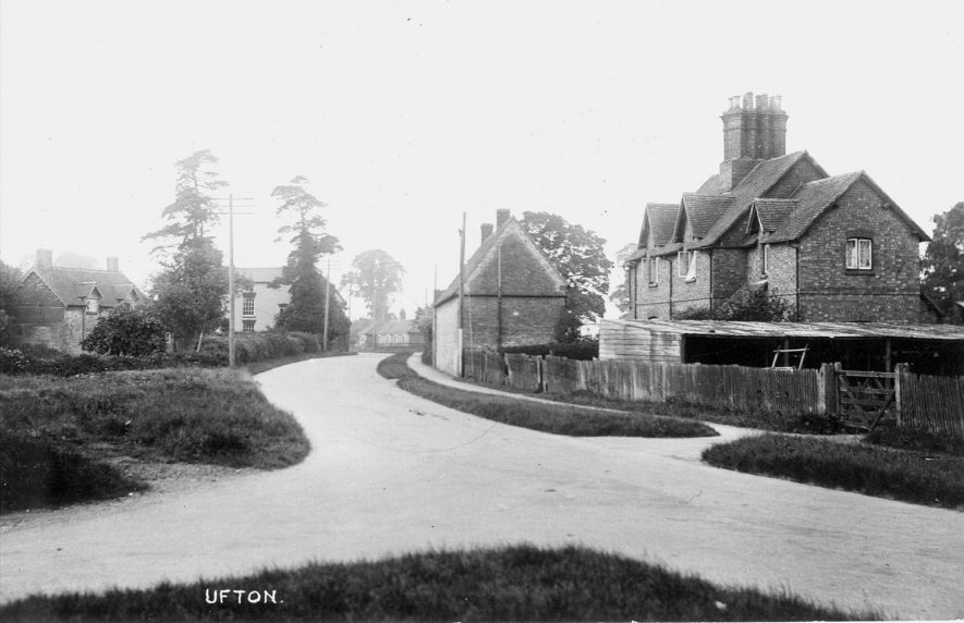 View of houses near a road junction, Ufton.  1920s |  IMAGE LOCATION: (Warwickshire County Record Office)
