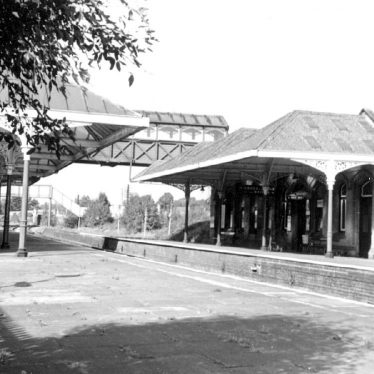 Kenilworth.  Railway Station