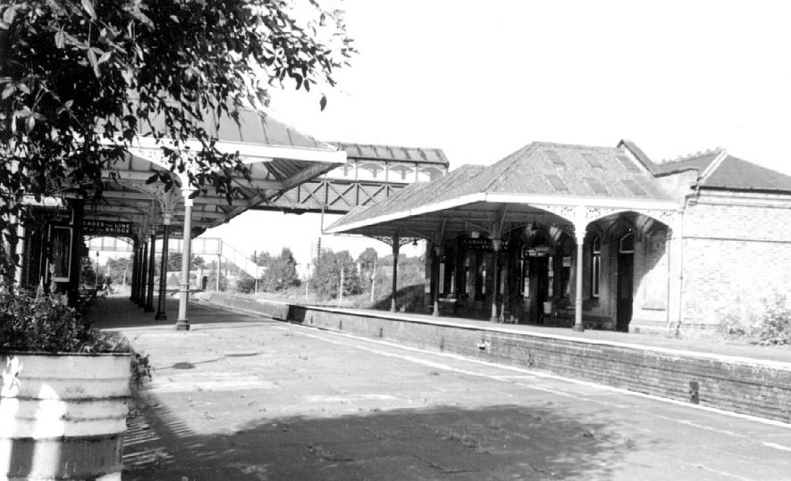 Kenilworth Station platform and booking office.  1964 |  IMAGE LOCATION: (Warwickshire County Record Office)