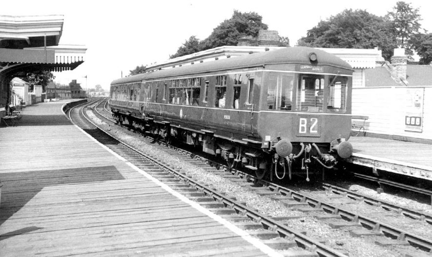 The Blue Diesel Pullman from Birmingham to Paddington, Leamington Spa Station.  March 1961
