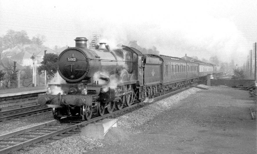 Bournemouth to Birkenhead train passing through Warwick Station.  1958 |  IMAGE LOCATION: (Warwickshire County Record Office)