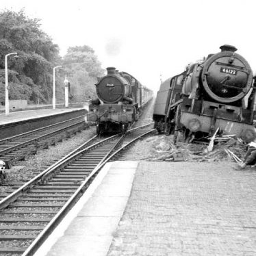 Warwick.  Railway Station, derailed locomotive
