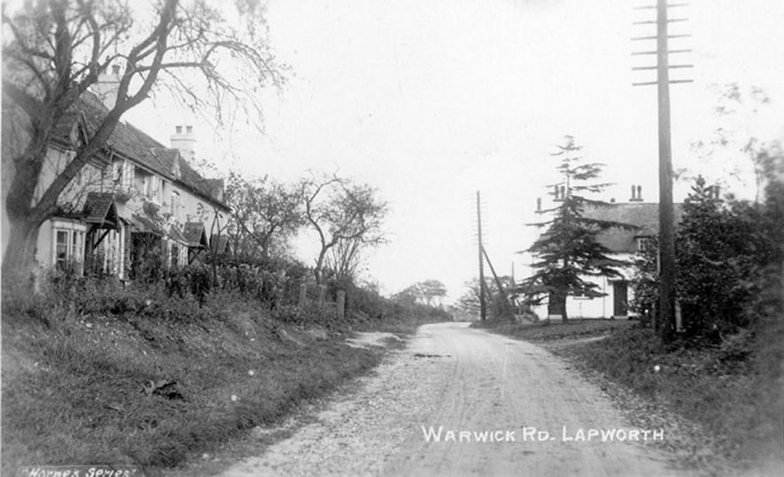 View of the houses on Warwick Road at Lapworth.  1930s |  IMAGE LOCATION: (Warwickshire County Record Office)