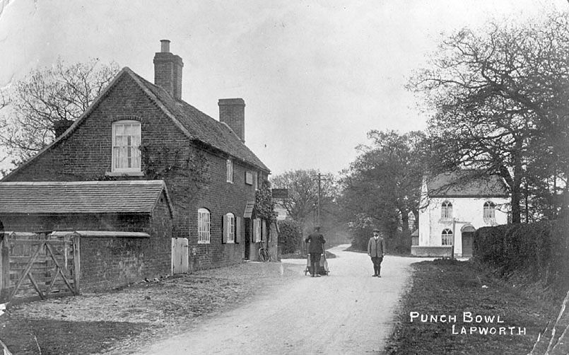 Picture of 'The Punch Bowl'  public house at Lapworth.  1910s    IMAGE LOCATION: (Warwickshire County Record Office)