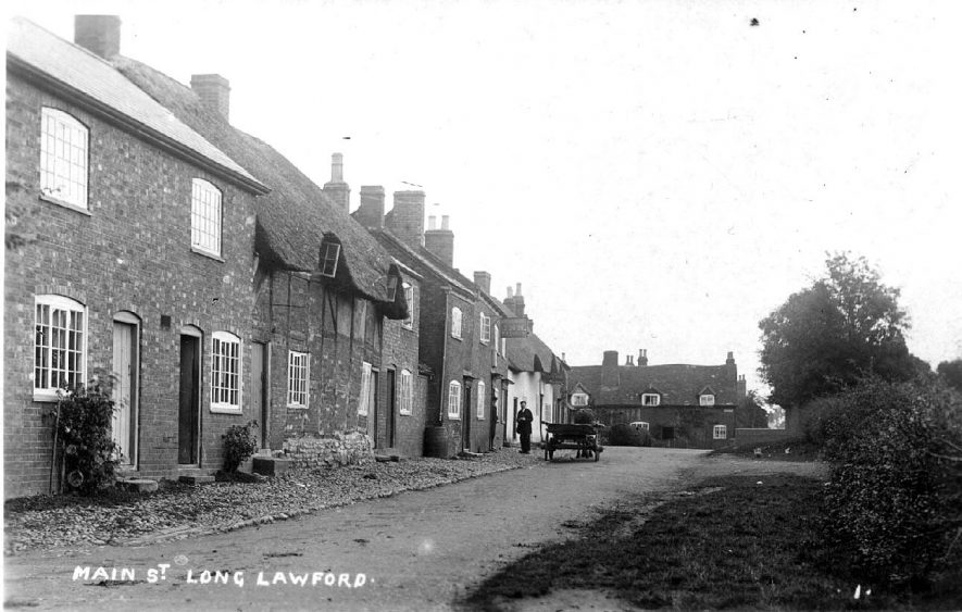 Main Street, Long Lawford with horse and cart in the background. Circa 1914 |  IMAGE LOCATION: (Warwickshire County Record Office)