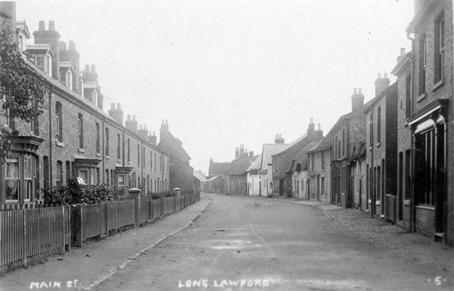 Terraced houses in Main Street, Long Lawford.  1910s |  IMAGE LOCATION: (Warwickshire County Record Office)