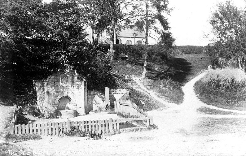 The Old Well from Church Lane, Lighthorne. 1900s[Also called
