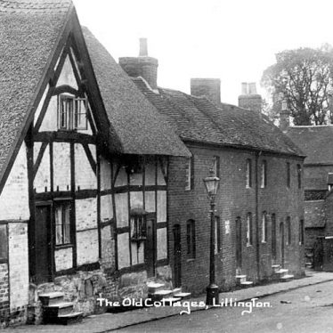Lillington.  Old cottages