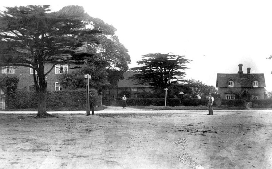 The Village, Lea Marston.  1900s |  IMAGE LOCATION: (Warwickshire County Record Office)