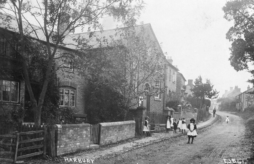 Mill Street, Harbury showing the Primitive Methodist Chapel.  1910s |  IMAGE LOCATION: (Warwickshire County Record Office)