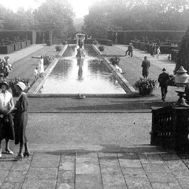 Moreton Paddox.  Formal gardens