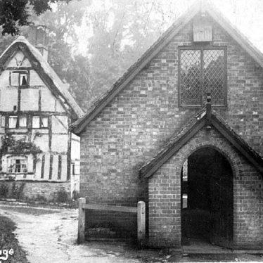Moreton Morrell.  School and old cottage