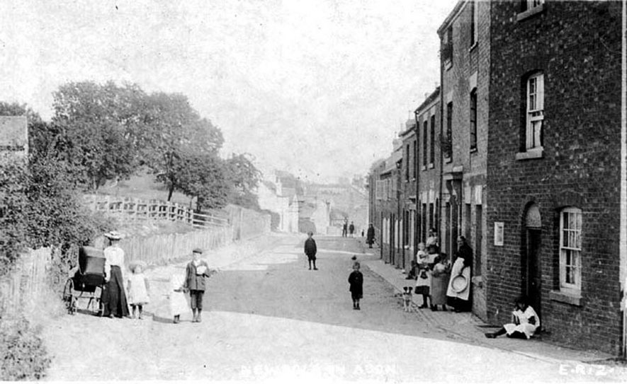 Children playing in the street at Newbold on Avon.  1900s |  IMAGE LOCATION: (Warwickshire County Record Office)