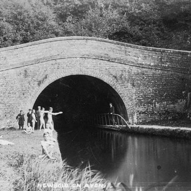 Newbold on Avon.  Oxford Canal, Newbold Tunnel