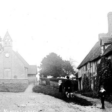 Norton Lindsey.  Church Lane