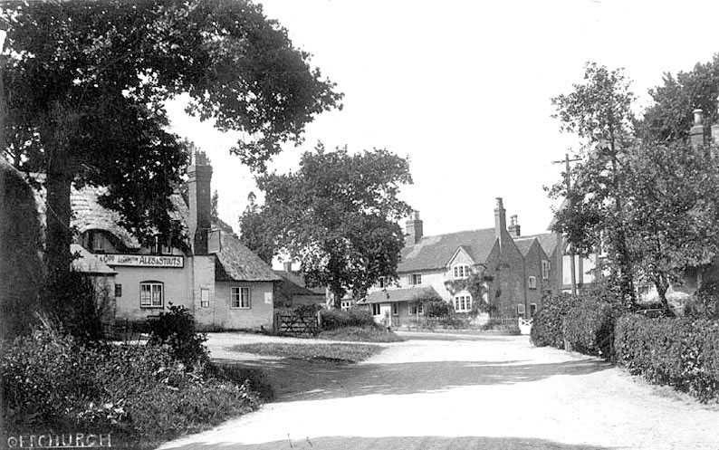 The Stag's Head and surrounding buildings, Offchurch.  1940s |  IMAGE LOCATION: (Warwickshire County Record Office)